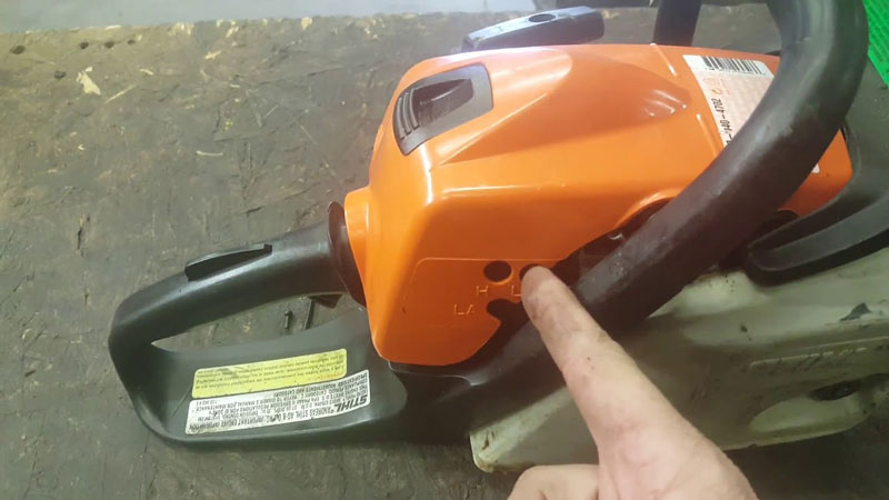 How to Adjust Chainsaw Carburetor