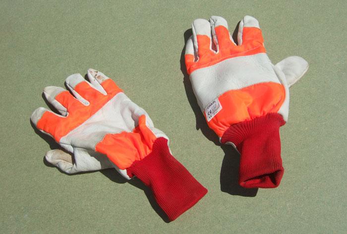 Chainsaw Gloves Size