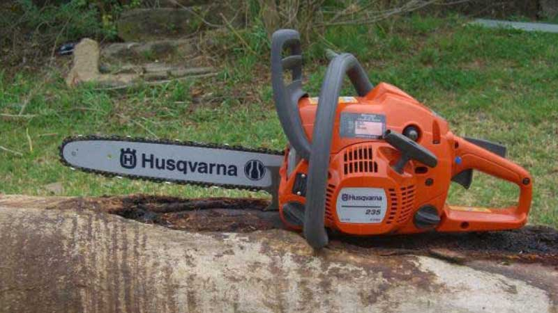 How to Start a Chainsaw Without a Pull Cord