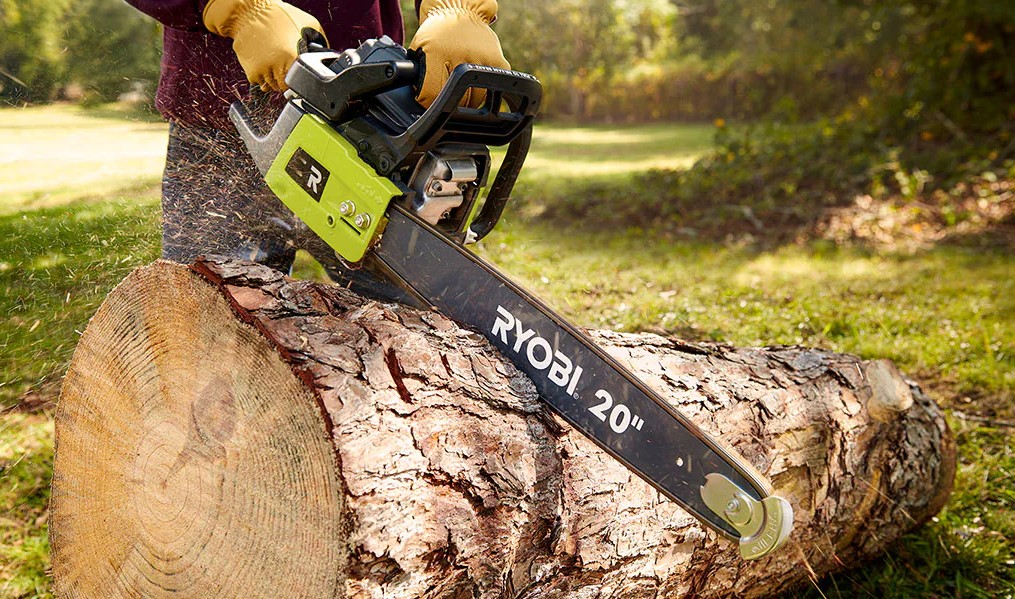 Starting a Chainsaw with Automatic High Idle Mechanism
