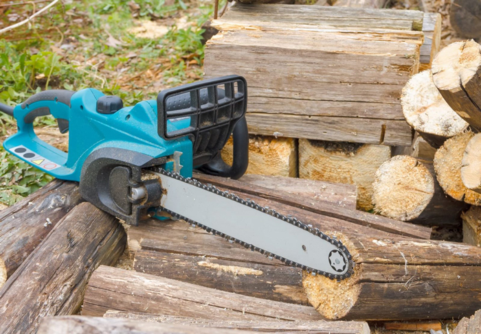 a Chainsaw Without a Pull Cord